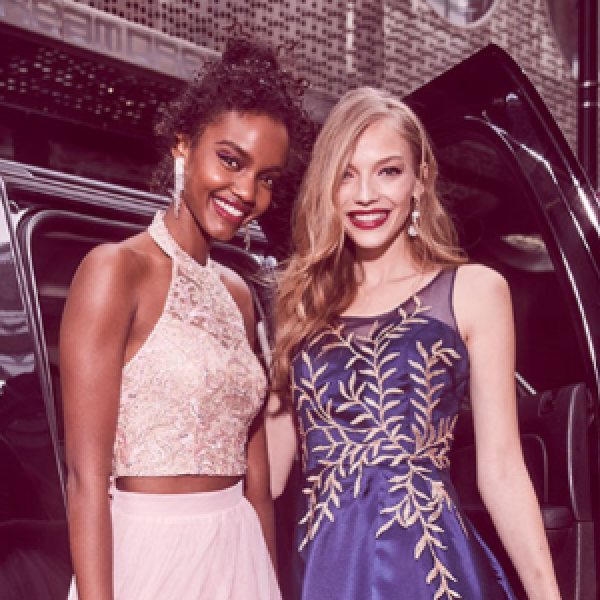 3aee56113e Win 1 of 5 Prom Dress   More! - Sweeps Invasion